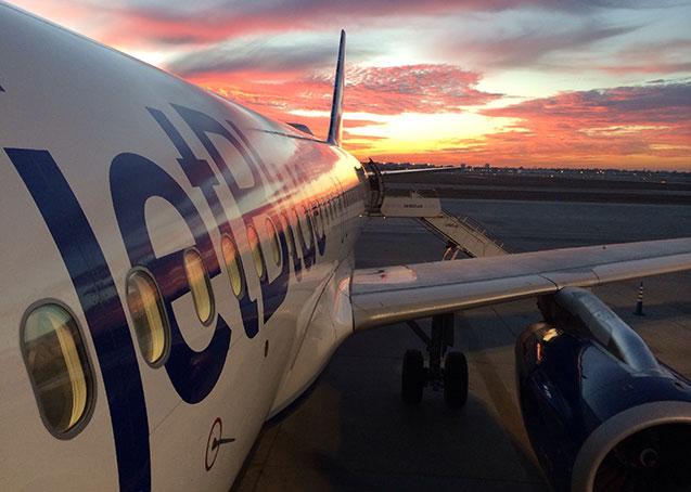 Após 50 anos, EUA e Cuba retomam voos comerciais